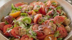 Toscaanse panzanella van Sandra Bekkari   VTM Koken Dutch Recipes, Italian Recipes, Go For It, Food Inspiration, Healthy Life, Side Dishes, Food And Drink, Veggies, Appetizers
