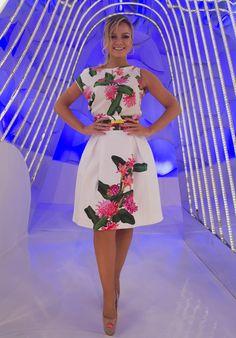 DaquiDali é o site para a mulher real, que traz tudo sobre moda, beleza, saúde, culinária, carreira, filhos, decoração, dicas incríveis para o dia a dia e as maiores novidades sobre a apresentadora Eliana Estilo Lady Like, Ideias Fashion, Summer Outfits, Dresses For Work, Glamour, My Style, Womens Fashion, Casual, Clothes