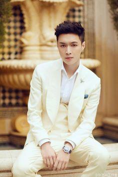 Hello angel~  #yixing #exo #lay