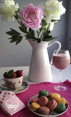 www.tubodaenrosa.es Macarrons bodas wedding planner peonias fresas