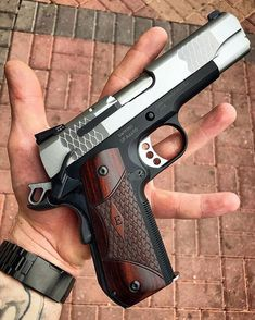 Airsoft hub is a social network that connects people with a passion for airsoft. Talk about the latest airsoft guns, tactical gear or simply share with others on this network Weapons Guns, Guns And Ammo, Armas Ninja, 1911 Pistol, 45 Caliber Pistol, Smith Wesson, Custom Guns, Military Guns, Cool Guns