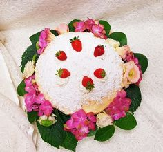 Torta mimosa alle fragole   Pasticceria Dece via calefati 93 Bari
