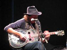 Dave Lindholm - Dust My Broom Blues, Guitar, Guitars