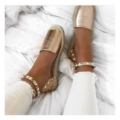 Rose Gold Gang @katyluise ▪️£19.99 @lavishluxe.co.uk #LavishLuxe #RoseGoldEspadrilles #Amazing #InLove #BloggerStyle