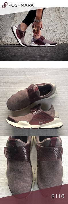 Women's Nike Sock Dart SE Premium Sneakers Women's Nike Sock Dart SE Premium Sneakers. The Nike sock dart SE shoes takes a minimalist approach with a stretchy knit upper designed for a comfortable feel and a streamlined look. Style/Color: 862412-600 * Women's size 11 * NEW in box (no lid) * No trades * 100% authentic Nike Shoes Sneakers