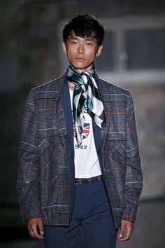 Aires de elegancia británica invaden la colección Spring-Summer 2018 de Macson presentada en la semana de la moda de Barcelona