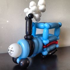 Balloons, balloon animal, balloon art, balloon artist, balloon sculptor, balloon sculpture, balloon twister, balloon twisting, clown, entertainer, thomas the train, archie cobblepot