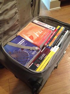52 Cleaning and Life Hacks - When moving, pack heavy items, like books, in a rolling suitcase. Boxes are hard to carry and tend to tear when they're too heavy. Moving Home, Moving Day, Moving House Tips, Lifehacks, Best Hacks, Move On Up, Big Move, Packing To Move, Packing Tips For Moving