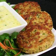 Oregon Salmon Patties - excellent recipe for canned or fresh salmon patties. This recipe is from the Oregon coast. Salmon Dishes, Fish Dishes, Seafood Dishes, Fish And Seafood, Main Dishes, Salmon Recipes, Fish Recipes, Seafood Recipes, Cooking Recipes