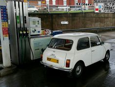 It's Vini the Mini at the FILL IT UP FRIDAY pumps to take us in to the afternoon!