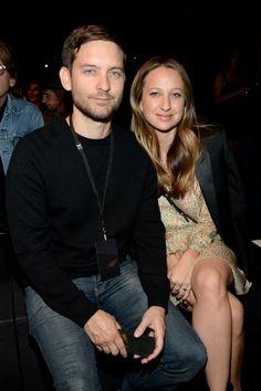 Pin for Later: Saint Laurent kriegt sie alle: Die Promis strömen zur Fashion Show nach LA Tobey Maguire und Jennifer Meyer