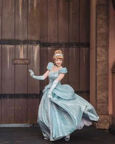 Disneyland Princess, Disney Princess Quotes, Disney Princess Dresses, Disney Songs, Disneyland Paris, Disney Quotes, Cinderella Cosplay, Cinderella Disney, Disney Cosplay