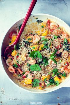 Vermicelli Noodles Stir-Fried with Shrimps and Mango