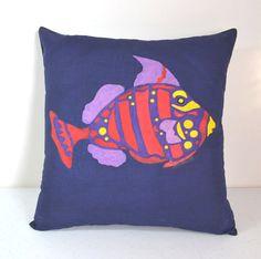 Dark Blue Cushion Cover Fish Cushion Cover por HandpaintedThreads