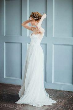 Romantic wedding dress ⎪ Antonova Kseniya Photography ⎪ see more on:  http://burnettsboards.com/2015/04/spring-nature-bridal-portraits/