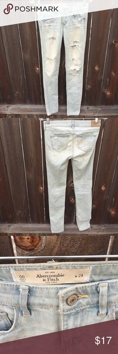 "ABERCROMBIE & FITCH DENIM JEANS RIPPED SZ 00/24 ABERCROMBIE & FITCH DENIM JEANS RIPPED SZ 00/24 WAIST 13.5"" INSEAM 31"" DISTRESSED  GOOD CONDITION Abercrombie & Fitch Jeans Skinny"