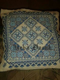 Cross stitched pillow Cross Stitch Pillow, Cross Stitch Samplers, Cross Stitching, Cross Stitch Embroidery, Hand Embroidery Videos, Embroidery Patterns Free, Sewing Patterns, Crochet Patterns, Cross Stitch Designs