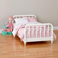 This toddler bed is so cute and would go well in Laila's room!
