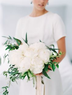 white peony bouquet | Photography: Gabe Aceves