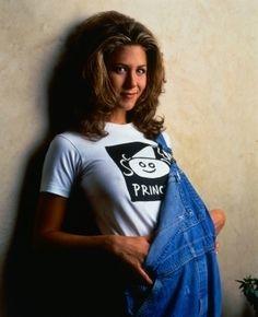 Jennifer Anniston as Rachel Green, in Friends (1994 - 2004) +Visit my <3 90's board+