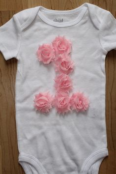 This adorable rosette number bodysuit is perfect for your little ones birthday party or pictures! The number one is created with mini shabby First Birthday Shirts, Baby Girl 1st Birthday, First Birthday Outfits, Birthday Fun, First Birthday Parties, First Birthdays, Flower Birthday, Birthday Ideas, Diy Birthday Tutu