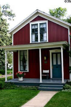 Board and Batten Cottages | Clark-Wirtz board & batten cottage (c1877) (123 W Prospect St ...