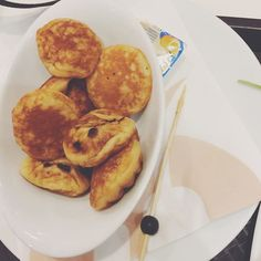 Poffertjes are a traditional #Dutch batter treat. Resembling small fluffy pancakes made with yeast and buckwheat flour. #poffertjes tastes like bahulu lembik  #Netherlands #Amsterdam
