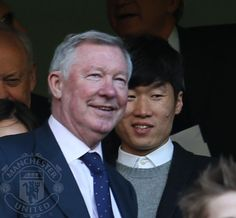 Sir Alex with Ji-Sung Park in the crowd at Stamford Bridge. Sir Alex Ferguson, Stamford Bridge, Ji Sung, Manchester United, Crowd, All About Time, Hero, The Unit, Pjs