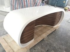 Solid Surface, Modern Table, Home Decor Furniture, News Design, Office Desk, Bathtub, Diy Projects, Studio, Bathroom