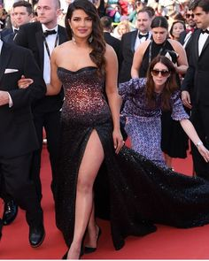 Blingy Black Gown, Loose Curls And High Glam Quotient Summed Up Priyanka Chopra's Cannes Red Carpet Look - HungryBoo Indian Bollywood Actress, Indian Actress Hot Pics, Bollywood Fashion, Bollywood Theme, Beautiful Girl Indian, Beautiful Indian Actress, Beautiful Actresses, Actress Priyanka Chopra, Priyanka Chopra Hot