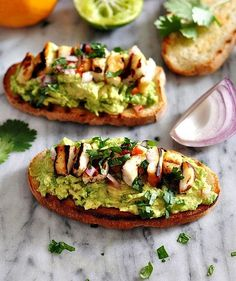 Avocado & Halloumi Bruschetta via @FussFreeCooking/ // #avocado #bruschetta #vegetarian