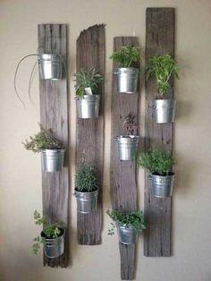 Planches en bois recul pour réaliser un mur végétal
