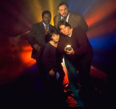 Vers un reboot de Sliders ? Sliders Tv Show, Jerry O'connell, Parallel Universe, Tv Series, Tv Shows, Sabrina Lloyd, My Favorite Things, Circuit, Fictional Characters
