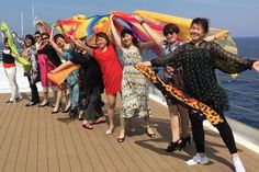 La difícil situación de los homosexuales en China. Paula Escalada | Voz Pópuli, 2017-07-01 http://www.vozpopuli.com/altavoz/cronicas/orgullo-gay-2017-dificil-situacion-homosexuales-China_0_1040596406.html