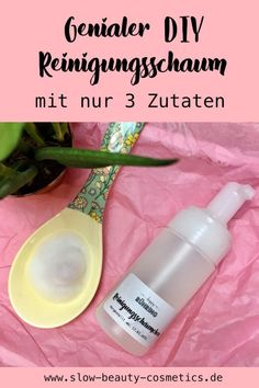 Naturkosmetik Reinigungsschaum mit 3 Zutaten selber machen A facial care routine includes facial cleansing, making a cleansing foam is easy and great skin care for blemished skin it Yourself Facial Skin Care, Natural Skin Care, Shower Jellies, Face Care Routine, Skincare Dupes, Moisturizer With Spf, Facial Cleansing, Natural Cosmetics, Skin Care Tips
