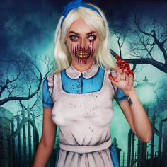 Do you wanna look hot at Halloween Party? There're amazing women's costumes inspired by your favorite icons. Try this Zombie Alice in Wonderland Halloween Costume Ideas Movie Characters! Freddy Krueger Halloween Costume, Jack Skellington Halloween Costume, Mad Hatter Halloween Costume, Halloween Bride Costumes, Creepy Halloween Makeup, Halloween Inspo, Halloween Fashion, Halloween Kostüm, Halloween Outfits