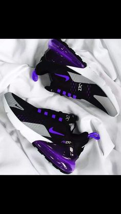 Cute Nike Shoes, Nike Air Shoes, Nike Air Max, Purple Nike Shoes, Jordan Shoes Girls, Girls Shoes, Shoes Women, Crazy Shoes, Me Too Shoes
