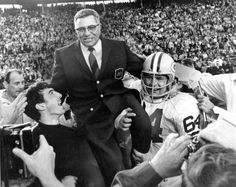 Green Bay Packers Head Coach Vince Lombardi And Jerry Kramer After Super Bowl II In Photo, Picture. Bill Belichick, Joe Montana, Vince Lombardi, Tom Brady, Green Bay Packers, American Football, Nfl Football, Football Coaches, Pittsburgh