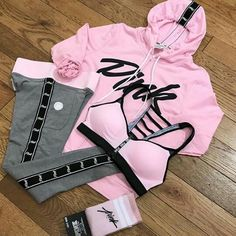 Super fitness outfits pink shoes ideas Source by fashion pink Sporty Outfits, Dope Outfits, Athletic Outfits, Teen Fashion Outfits, Swag Outfits, Fall Outfits, School Outfits, Vs Pink Outfit, Pink Outfits