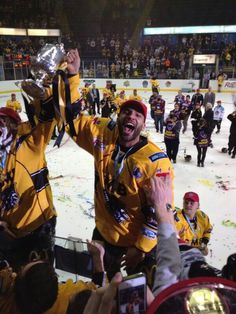 Happy, Happy days and we've had plenty of those in the last 3 - 4 years. But next time David can you do this on our side of the arena please! Ice Hockey Rules, Hockey Games, Nottingham Panthers, Sheffield Steelers, Panthers Game, Pittsburgh Penguins, Good Old, 4 Years, David