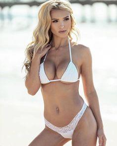 bikini Bernadette model