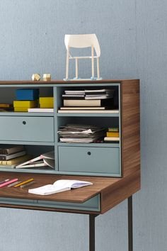 Contemporary secretary desk / walnut / oak / lacquered wood ACT Team by Wellis