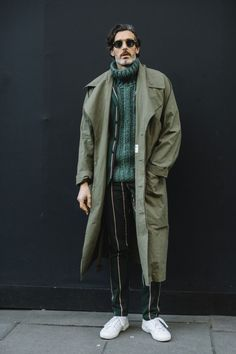London Fashion Week Men's Street Style Fall 2018 Day The best Men's Street Style looks from the L Cool Street Fashion, Trendy Fashion, Fashion Styles, Style Fashion, Fashion Blogs, Latest Fashion, Fashion Ideas, Fashion Vintage, Mens Fashion 2018 Trends