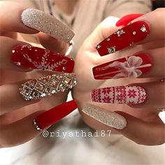 We have collected 130 elegant Rhinestones coffin nails for you. Enjoy these be. We have collected 130 elegant Rhinestones coffin nails for you. Enjoy these beautiful nail art and welcome your Inspiration erupted! Cute Christmas Nails, Christmas Nail Art Designs, Xmas Nails, Holiday Nails, Christmas Time, Valentine Nails, Christmas Design, Acrylic Nail Designs, Acrylic Nails