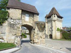La Porte du Croux et, au premier plan, son avant-porte. - Nevers — Wikipédia