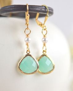 Aqua Teardrop and White Pearl Dangle Earrings in door RusticGem ♡(n.n)!!