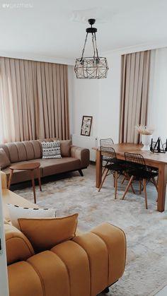 Modern stilin, natürel dokunuşlurla sıcaklık kazandığı bir e Living Room Mirrors, Living Room Decor, Living Spaces, Easy Home Decor, Home Decor Kitchen, Style At Home, Istanbul, Home Decor Accessories, Decoration