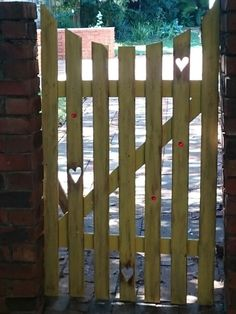 My happy yellow gate made from pallets
