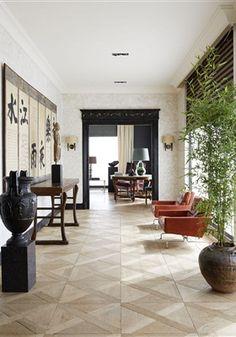 Als er één duo in Nederland is dat een tijdloze stijl heeft, zijn dat wel Anne Noordam en Thong Lei van Decoration Empire. Dat daarbij elk interieur origineel en authentiek moet zijn, is voor het tweetal heel vanzelfsprekend.
