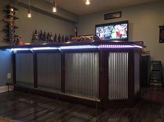 Get Crafty with Metal Interior Panels - Paula Elder - Get Crafty with Metal Interior Panels DIY Corrugated Metal Bar - Basement Bar Designs, Home Bar Designs, Diy Bar, Bar Patio, Outdoor Kitchen Bars, Kitchen Rustic, Bar Plans, Metal Building Homes, Man Cave Home Bar